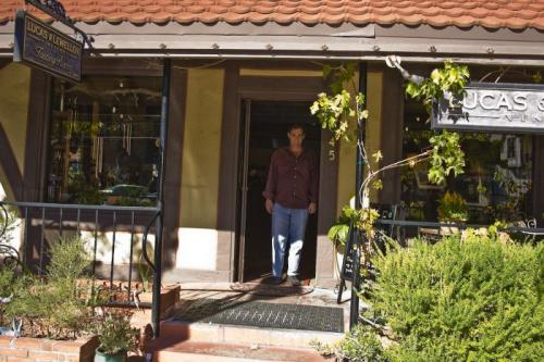 Mike Lewellen welcomes guests to the Lucas & Lewellen Tasting Room in Solvang